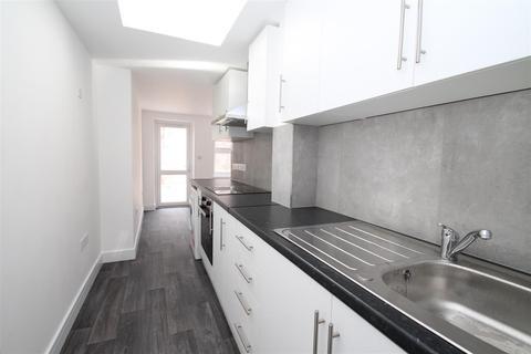 2 bedroom flat to rent - Eldon Road, N22