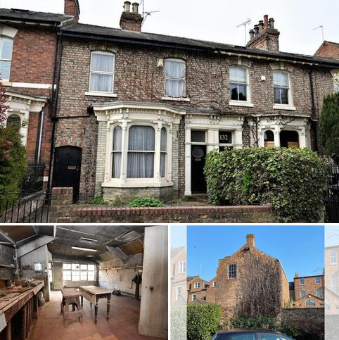 3 bedroom house for sale - Fulford Road, York, YO10 4BE