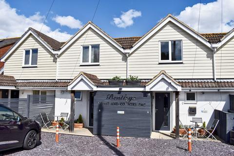 5 bedroom terraced house for sale - Lymington, SO41