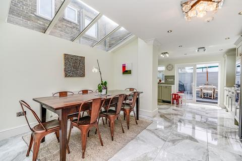 4 bedroom terraced house to rent - Becklow Road, Shepherds Bush, London, W12