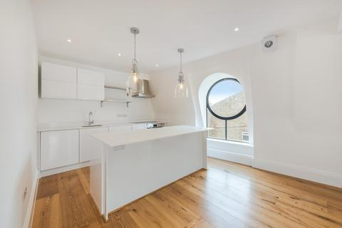 2 bedroom flat to rent - Brecon Road, London, W6