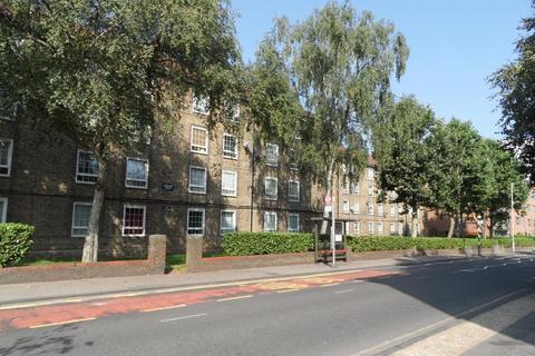 2 bedroom flat for sale - Dereham House, Frensbury Road, Brockley SE4