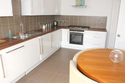 4 bedroom flat to rent - East Claremont Street, Edinburgh EH7