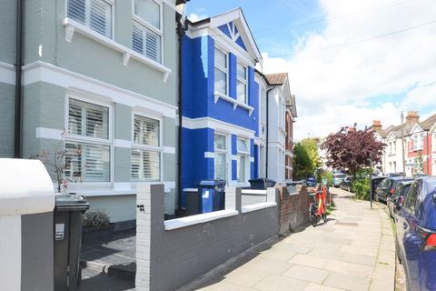 3 bedroom flat to rent - Berrymead Gardens, Acton W3 8AB
