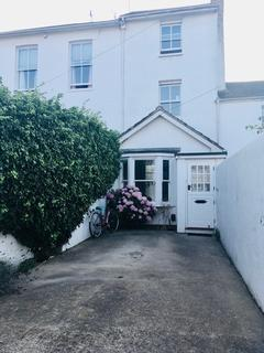 2 bedroom house to rent - North Gardens