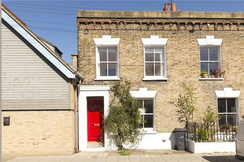 3 bedroom terraced house for sale - Heath Road, Battersea, London, SW8
