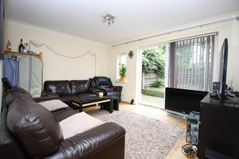 3 bedroom house to rent - Magellan Place, Docklands, London E14