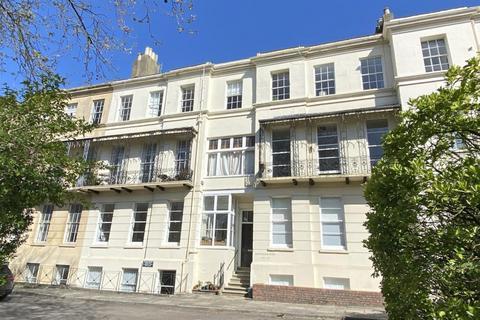 1 bedroom flat for sale - Lansdown, Cheltenham