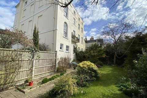 2 bedroom flat for sale - Keynshambury Road, Cheltenham