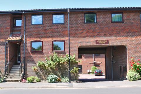 1 bedroom ground floor flat to rent - Lymington, Hampshire, SO41