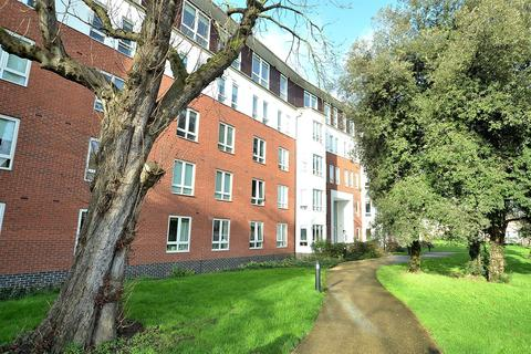 2 bedroom apartment to rent - Regency Court, High Road, South Woodford, E18