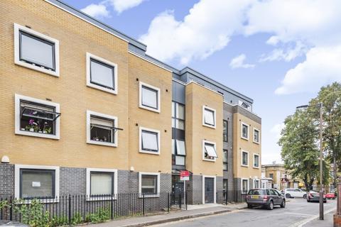 3 bedroom flat to rent - Gervase Street London SE15