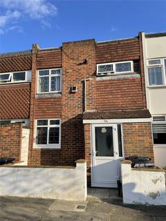 3 bedroom terraced house to rent - Woodman Path, Ilford, Essex, IG6