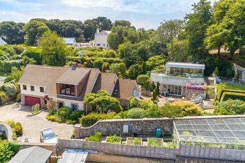 4 bedroom detached house for sale - Rue de la Cache, Castel, Guernsey, GY5