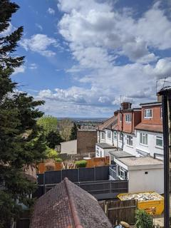 Studio to rent - a South Norwood Hill, London