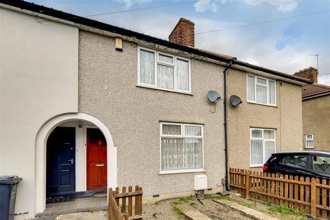 2 bedroom property to rent - St Georges, Dagenham, Essex