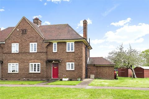 3 bedroom semi-detached house for sale - Churchill Close, Stewartby, Bedfordshire, MK43