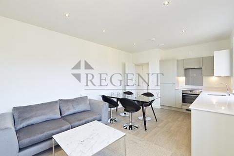 1 bedroom apartment for sale - Montrose House, Hanworth Lane, KT16
