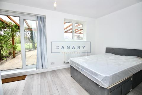 House share to rent - Rogers Road, Tooting, London, SW17