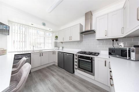 3 bedroom semi-detached house for sale - Askwith Road, Rainham, RM13