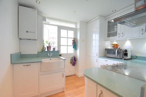 2 bedroom apartment for sale - Hartington Court, Hartington Road, London