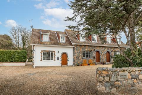 2 bedroom semi-detached house for sale - Route Des Paysans, St. Pierre du Bois, Guernsey