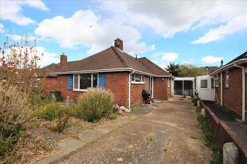 2 bedroom bungalow for sale - Findon Road, Worthing