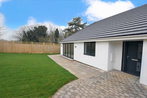 3 bedroom detached bungalow to rent - Telscombe Road, Peacehaven BN10 8AG