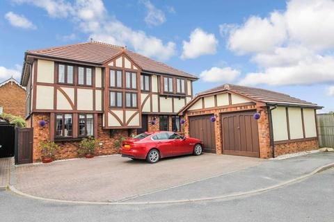 4 bedroom detached house for sale - Parc Tudur, Conwy