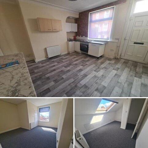 4 bedroom terraced house to rent - Ecclesburn Street, Leeds LS9