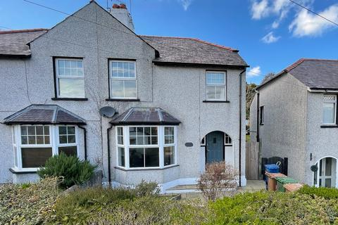 3 bedroom semi-detached house for sale - Penchwintan Road, Bangor, Gwynedd, LL57