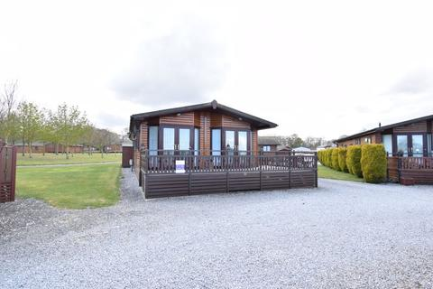 2 bedroom lodge for sale - Old Lodges, Coniston Road, Sproatley