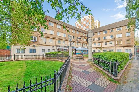 3 bedroom flat to rent - Old Ford Road, London E2