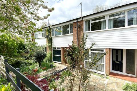 3 bedroom terraced house to rent - Hillbrow, Reading, Berkshire, RG2