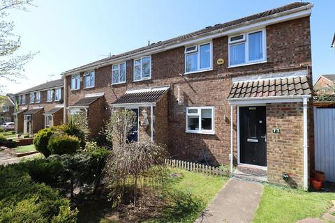 3 bedroom end of terrace house for sale - Brussels Way, Marsh Farm, Luton, Bedfordshire, LU3 3TH