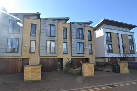 4 bedroom townhouse to rent - Kimmerghame Row, Edinburgh                  Available 27th August