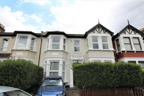 3 bedroom flat to rent - Valentines Road, Ilford, Essex, IG1