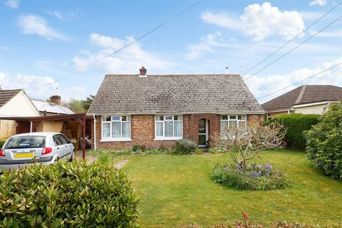 2 bedroom detached bungalow for sale - Park Road, Barnham