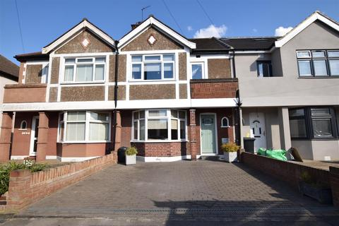 3 bedroom terraced house for sale - Brian Road, Romford