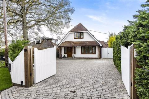 4 bedroom chalet for sale - Beechwood Crescent, Parish Of Ampfield, Chandlers Ford, Hampshire