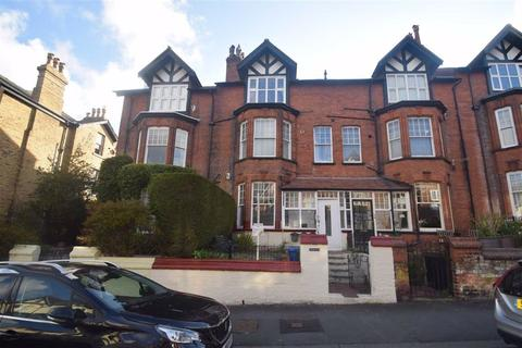 2 bedroom flat for sale - West Street, Scarborough, North Yorkshire, YO11