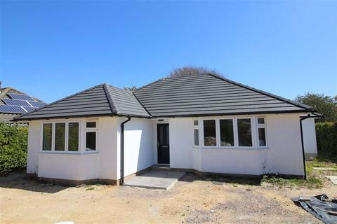 4 bedroom detached bungalow for sale - Barrswood Road, New Milton, Hampshire