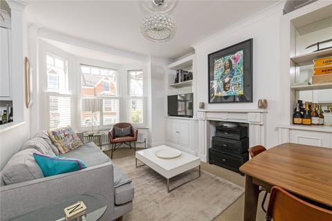 2 bedroom flat for sale - Broomwood Road, London, SW11