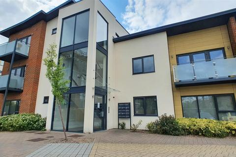1 bedroom apartment to rent - Bayberry Court, Kingswood Place, Hayes