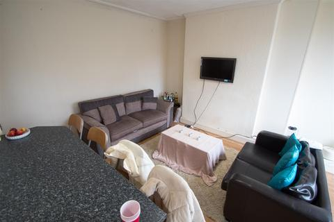 4 bedroom terraced house to rent - Stanmore Avenue, Burley, LS4