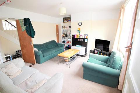 5 bedroom semi-detached house to rent - Keith Park Road, Uxbridge,
