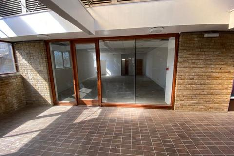 Shop to rent - Upper Street North, New Ash Green, Longfield