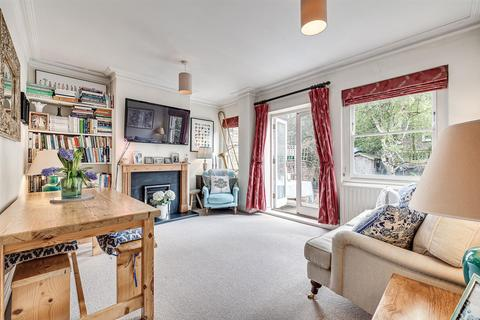 2 bedroom flat for sale - Racton Road, London