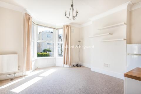 Studio to rent - Holly Park Road London N11