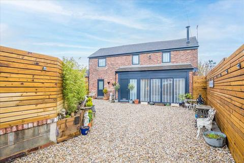 3 bedroom detached house for sale - The Coach House, 15 Buckley Street, Macclesfield